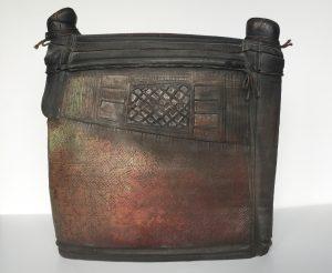 'Boite couverte de forme' 1997, raku ceramique, 26 x 27 cm hxb