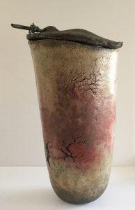 'Vase/boite' 1997, raku,bois,corde, 38 cm h