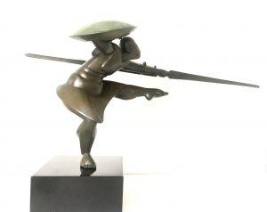WillemmLenssinck, Dancing guard II 2014, brons, 36 x 80 x 22 cm hxlxd