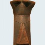 Gabriele Schnitzenbaumer, 'Die Braut' (2003) keramiek, 96 cm (h)