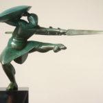 Willem Lenssinck, 'Dancing Guard II' (2014) brons, 37 x 74 x 22 cm (hxlxb)